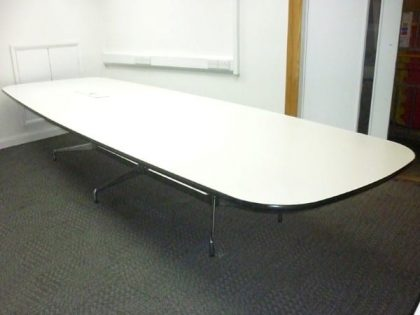 Vitra Eames Segmented Table