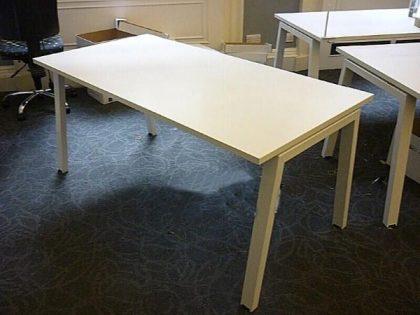 Elite Linnea White Desks